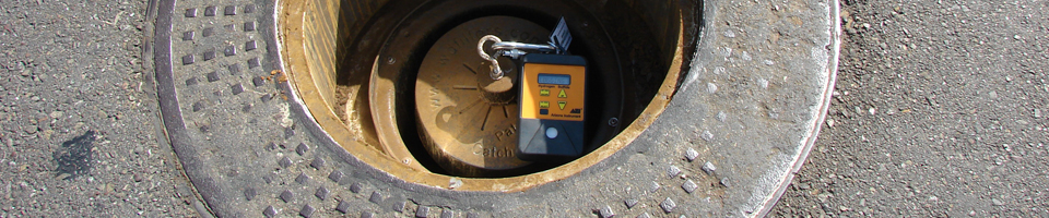 Manhole Odor Eliminator - With H2S Meters Installed